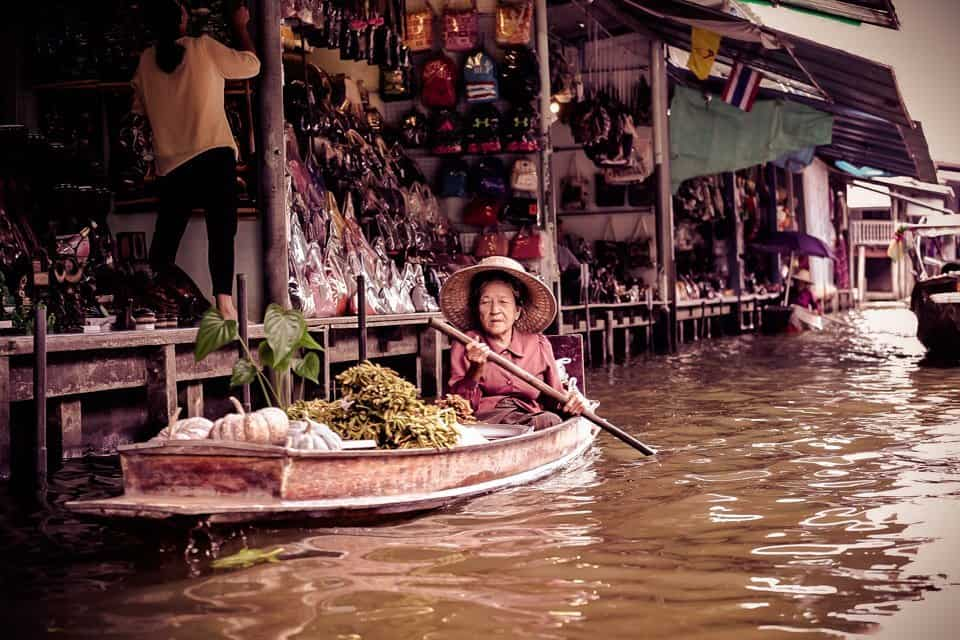 things to do in Bangkok - visiting floating market