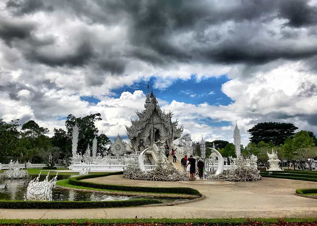 visit the White Temple - things to do in chaing Rai with kids