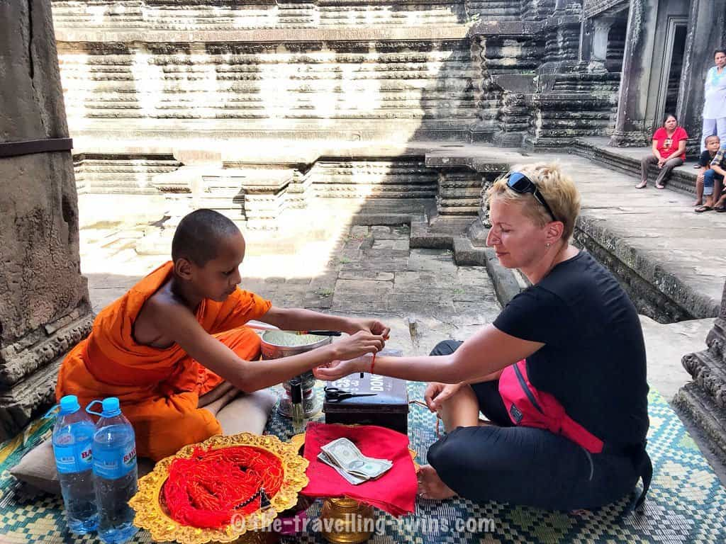 things to do in Siem reap - get the blessing,  best resorts for kids,  best siem reap restaurants,  bangkok to siem reap bus,  bus to siem reap from bangkok,  is cambodia safe