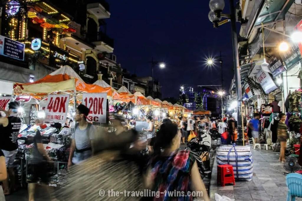 Hanoi weekend market - hanoi night market