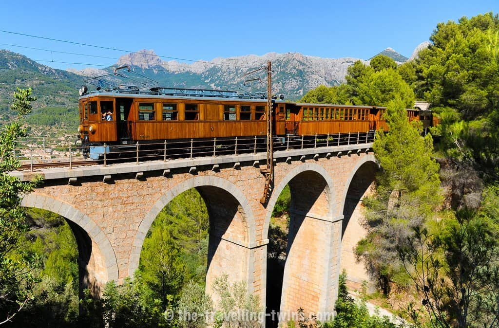 tren de soller - things to do in majorca,