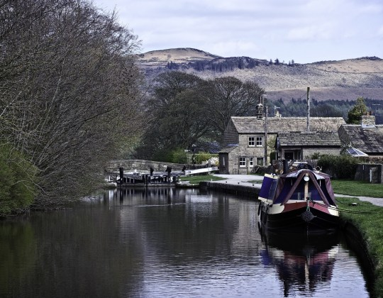 7 Of The Best And Most Idyllic Canal Walks In Yorkshire