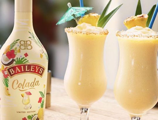 Baileys Is Launching A New Piña Colada Flavour – And It's Summer In A Glass