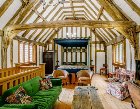 This 15th Century Gate House In The Countryside Is The Perfect Romantic Getaway