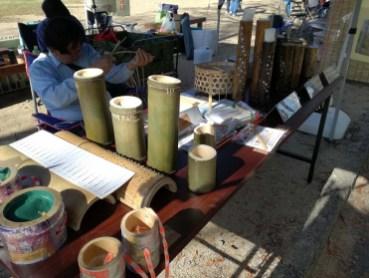 「竹ランプ」や「ポックリ」などの竹細工