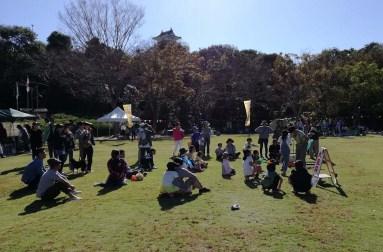 「どんぐり祭り」も開催されていたので観客も多く盛り上がっていた