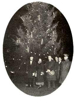 The Coolidge's 1927 Christmas tree