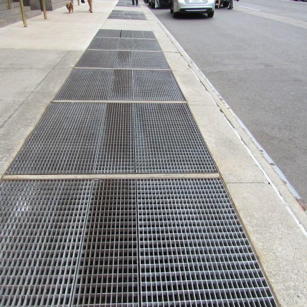 Sidewalk grate