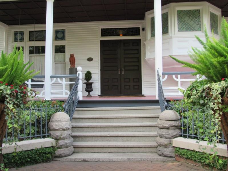 Smithfield cottage entry