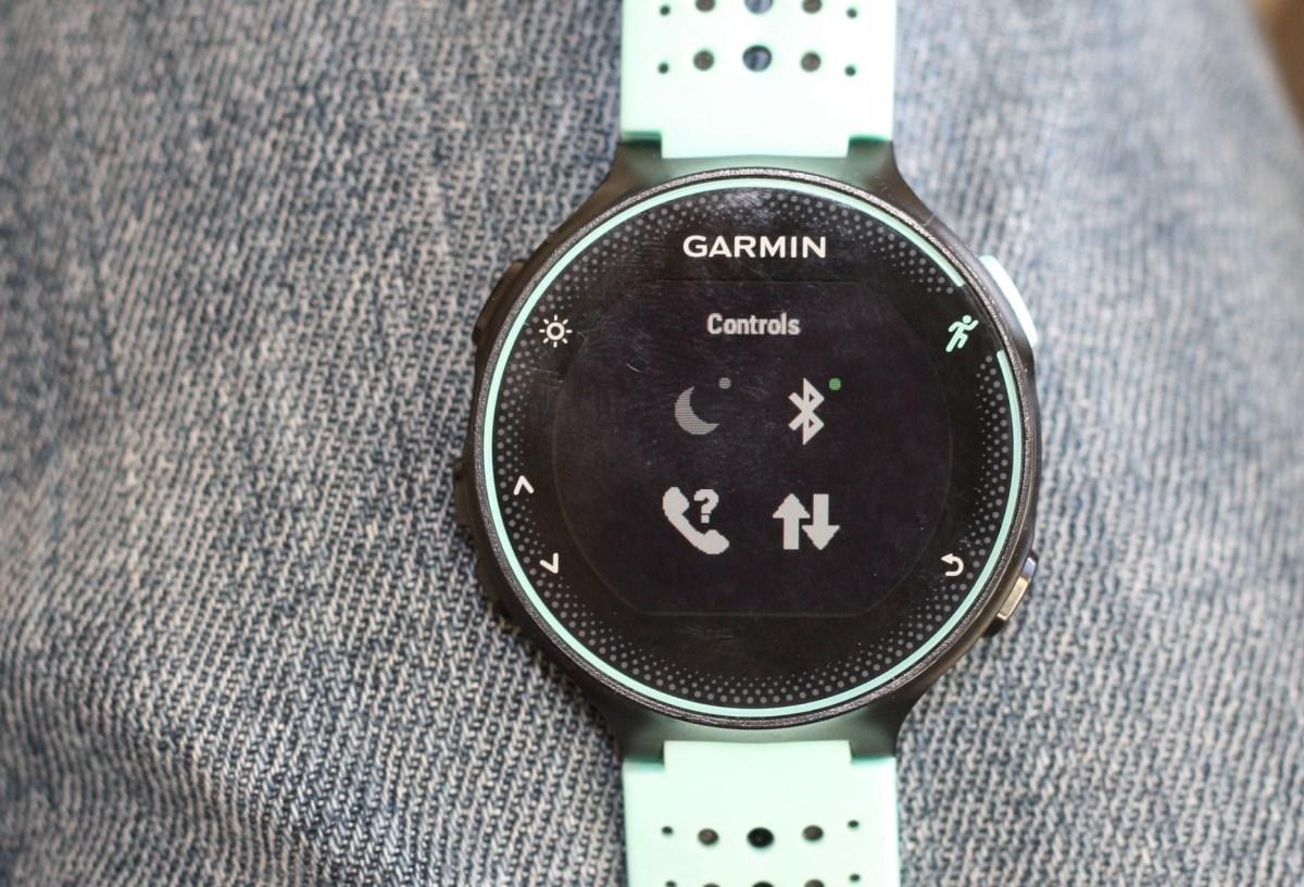 Garmin Forerunner FR235 FR230 230 235 GPS Running Watch Detailed Review