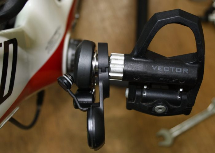 WatTeam PowerBeat Power Meter Review Comparison Garmin Vector 2