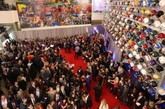 Fans greet 2016 award candidates and other football celebrities on the red carpet at the NFF College Football Hall of Fame in Atlanta. (Photo by Allen Kee / ESPN Images)