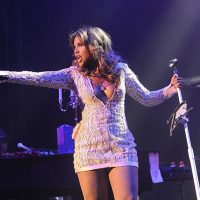 Concert Review: Toni Braxton dazzles at GRAMMY Park