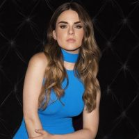 """JoJo says """"Fuck Apologies,"""" but it's no break-up song; it's an anthemic statement of freedom."""