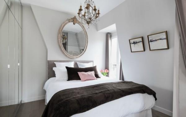 Cremant-de-Bourgogne-Paris-Studio-Queen-Bed