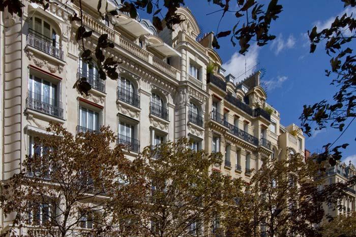 Classic Paris Appartment For Sale In Prestigious 7th Arr
