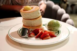Try Japanese Soufflé Pancakes at Gram Cafe