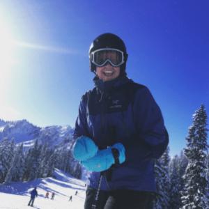 woman-skiing
