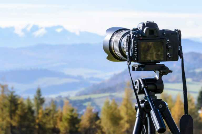 12 Best Cameras for Travelers and Travel Bloggers