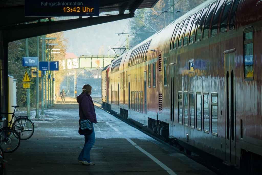 international travel checklist-transportation