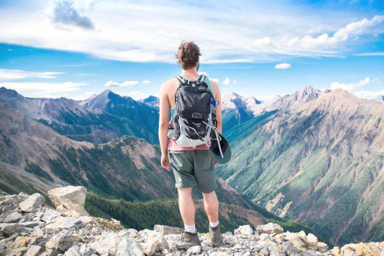30 Practical and best gifts for backpackers