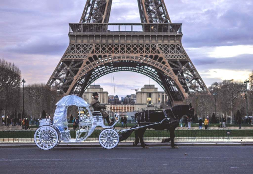 how to get to the eiffel tower