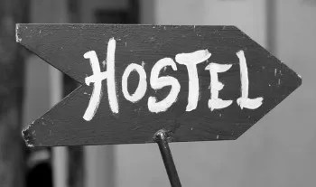 youth hostel tips for couples