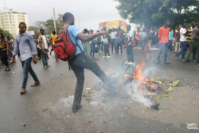 Students Protest in Liberia. Photo: James Fasuekoi /The AfricaPaper