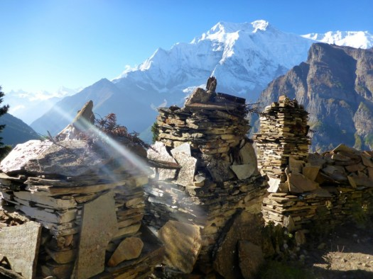 Mountain views between Ghyaru and Manang