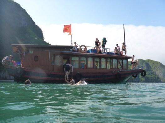 Junk Boat Ha Long Bay, Cat Ba Town, Vietnam