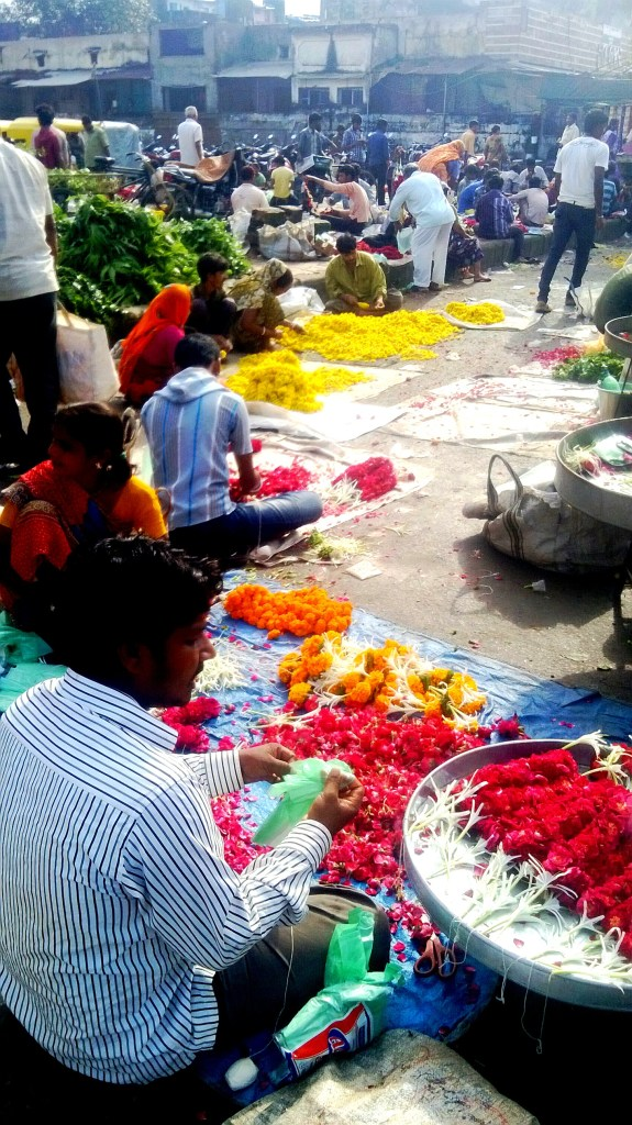 The major flowers  sold at Jamalpur are marigold, mogra, gallad, rajnigandha (phool chadi), jharmara.