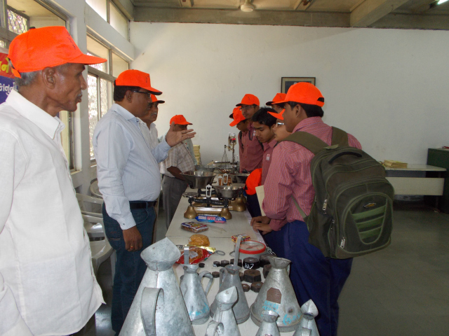 CERC Ahmedabad: Students attending World Consumer Right's Day activities