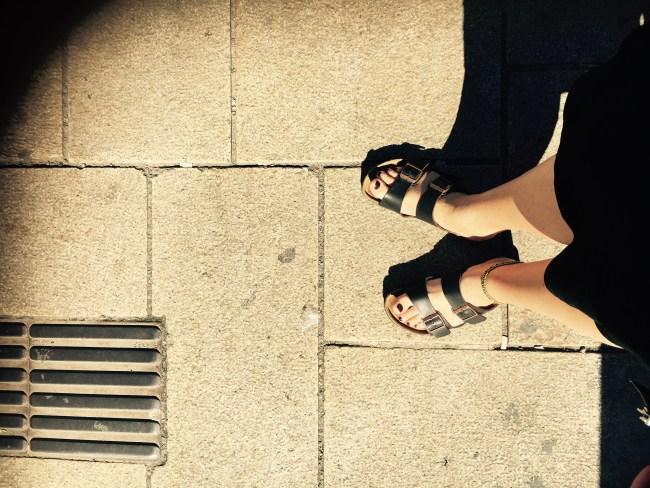 Mulig Birkenstock-sandaler kan virke som en invitasjon til å ligge med meg, men det er det altså ikke.