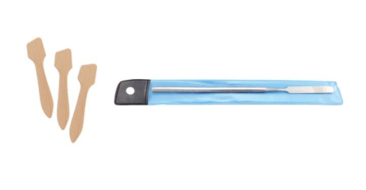Alcone makeup spatula