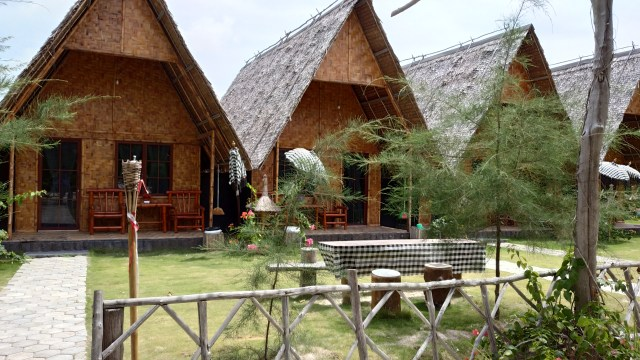 Madu Tiga Beach & Resort
