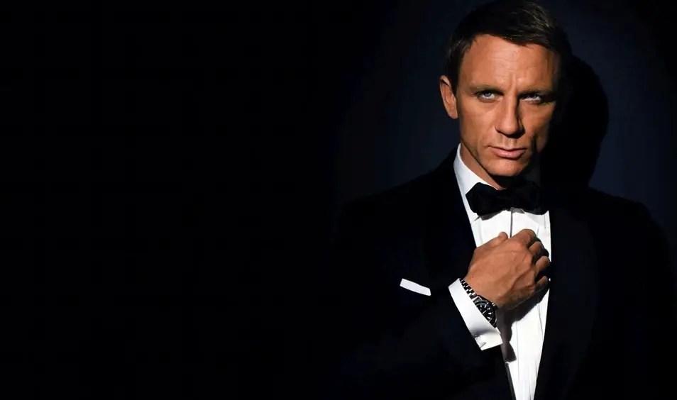 James Bond Wearing Cufflinks