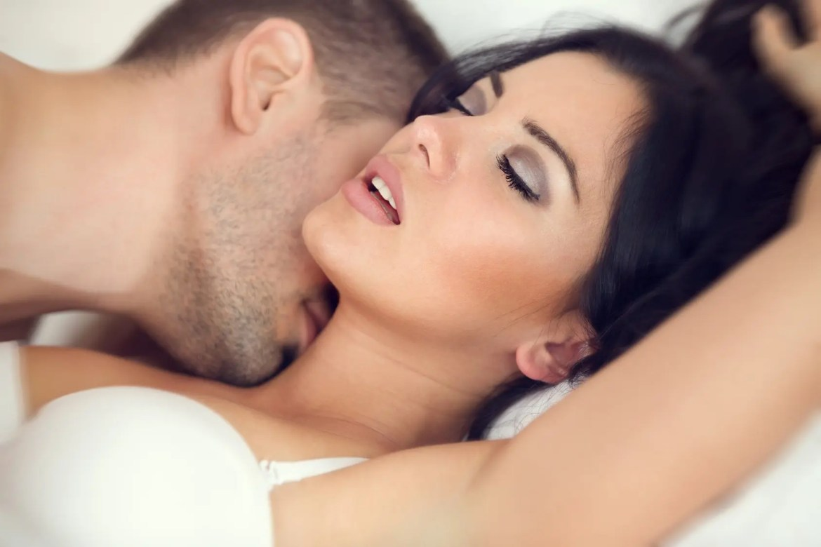 making love Sex Positions - The Alternative Lifestyle - thealtstyle.com
