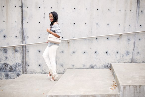 over the shoulder sweater- missguided sweater- h&m white pants- how to wear white pants- spring fashion- fringe sandals- zara- fashion blogger- dallas blogger- black girl blogger