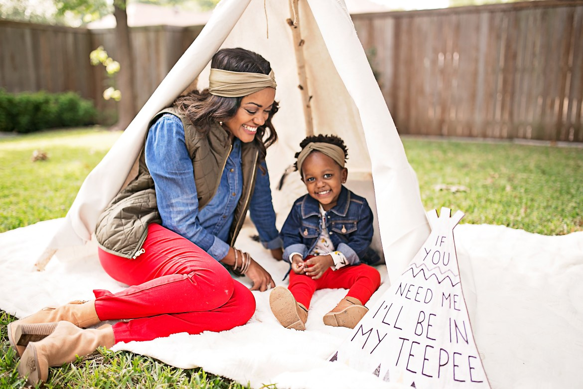 camping photo shoot idea, glamping photo shoot, diy teepee tent, affordable teepee tent, dallas blogger, black fashion blogger, black mommy blogger, how to, diy teepee tent, no sew teepee tent, under $100 teepee tent, mommy and me photoshoot ideas, KRZA headbands, old navy