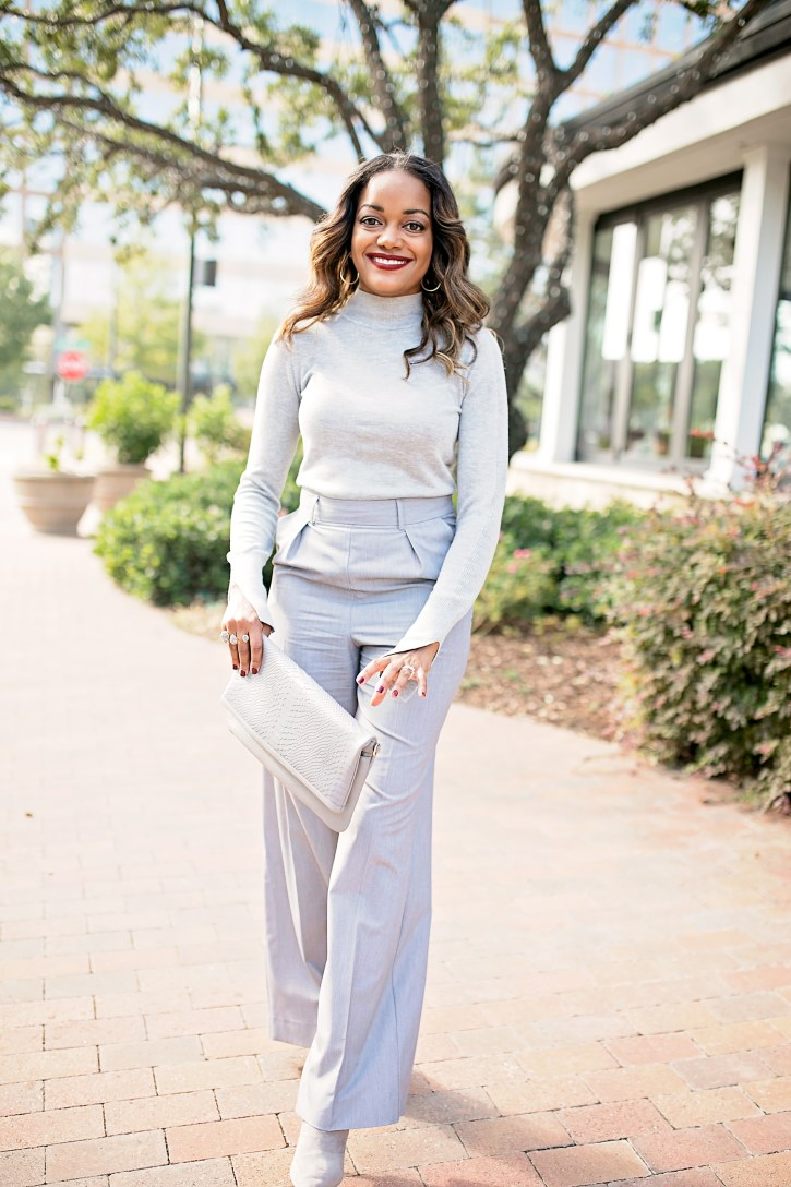 all gray outfit, gigi new york clutch, gray wide leg pants, fall fashion, how to wear monochromatic, wear to work outfit, fashion blogger, black girl fashion blogger, dallas blogger, all gray outfit women
