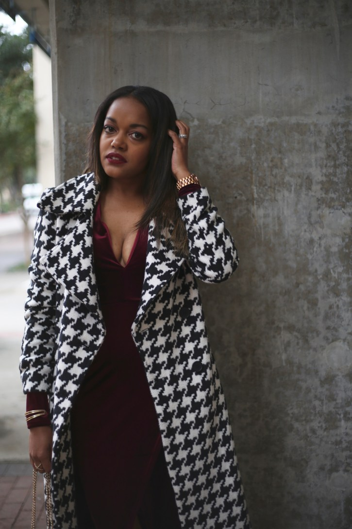 new year's eve outfit, velvet dress, sherrodd sisters jewelry, how to wear velvet, new years eve style inso, nasty gal herringbone coat, dallas blogger, date night outfit inspo, fashion blogger