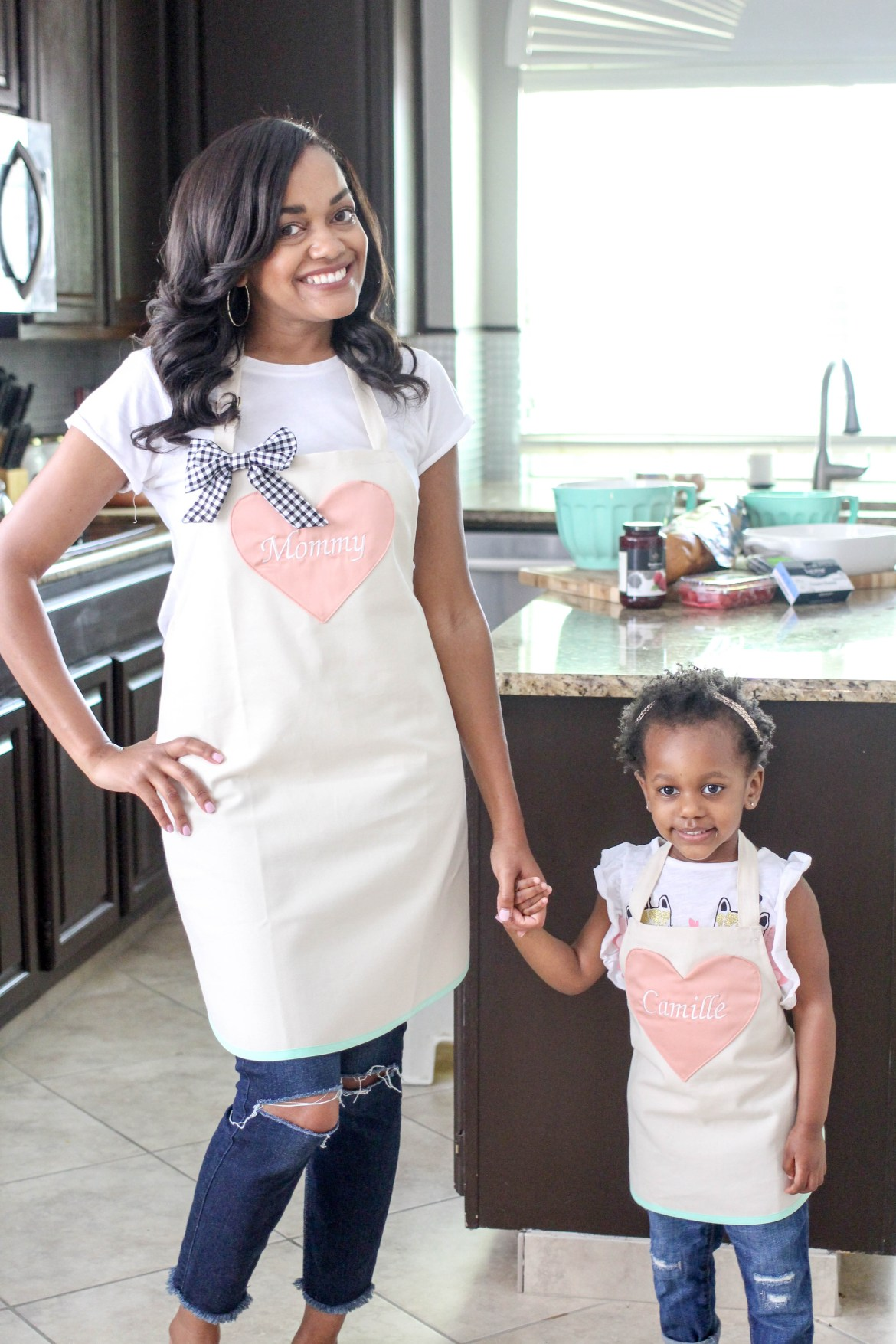 mothers day gifts, mothers day gift ideas, gifts for mom, mothers day gift, mommy and me, personalized aprons, belle eve clothing, mommy and me cooking in kitchen, stuffed french toast, dallas blogger