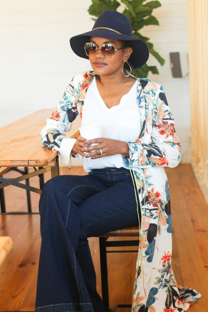 coffee talk, fall fashion, how to wear kimono, kimono style, kimono outfit, fall hats, flare jeans, blogging, blog life, negative side to blogging, the cons of blogging, dallas blogger, fashion blogger, black fashion blogger, black dallas blogger