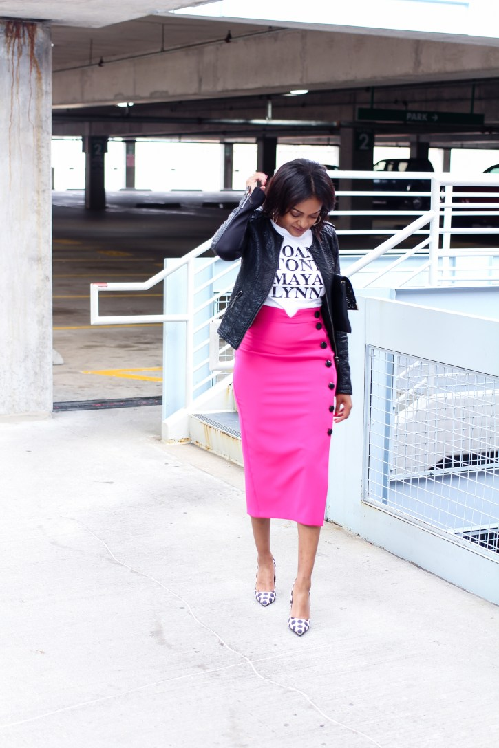 Girlfriends, girlfriends tee, gold the label, graphic tees, pink pencil skirt, pink midi skirt, fall fashion, how to wear a graphic tee, midi skirt outfit, black fashion blogger, dallas blogger, girlfriends tee