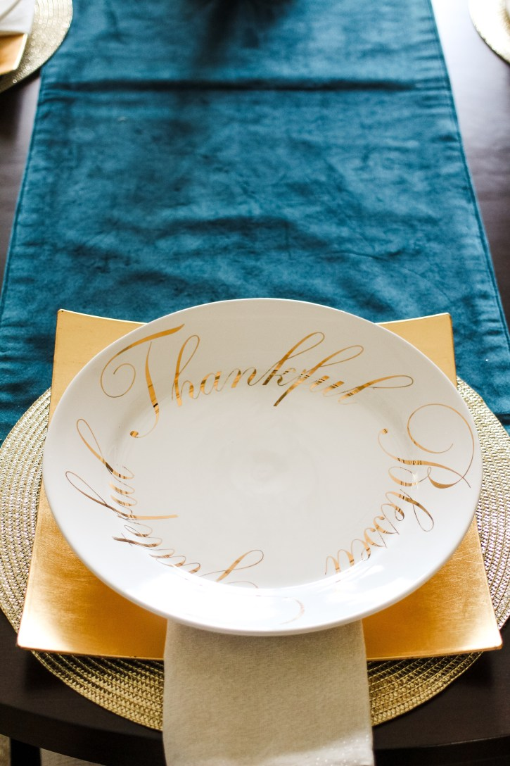 thanksgiving table decor, dining room reveal, gallery wall, dining room gallery wall, home decor, gallery wall ideas, table setting ideas, hobby lobby, tuesday morning, thankful plates, home goods, tablescapes, dallas blogger, black fashion blogger,