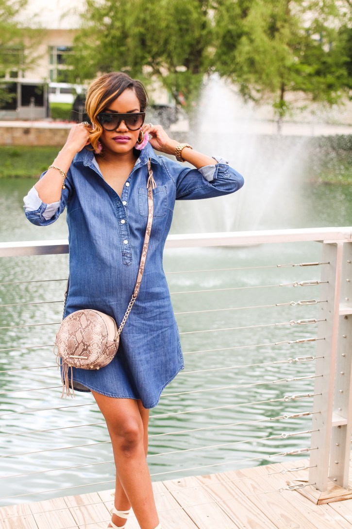 bump style, pregnancy style, denim dress, J crew denim dress, elaine turner handbag, maternity fashion, motherhood, dallas blogger, how to wear denim dress,