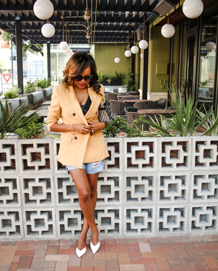 blazers, zara blazer, blazer and shorts outfit, blazer outfit inspo, blazer summer outfit inspiration, how to wear blazer in the summer, dallas blogger, fashion blogger, black fashion blogger, blazer outfit