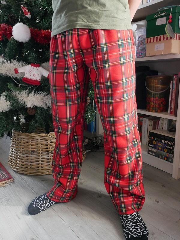 Coudre pyjamas tartan Noël the amazing iron woman