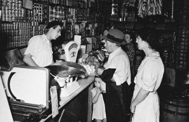 Italian immigrants in New York, 1922.