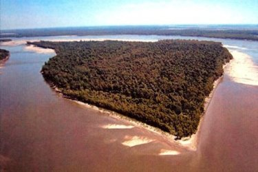 The island is a nature wonderland, rich in bird and fish species.